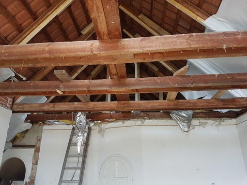 Demolished roof, wooden roof structure