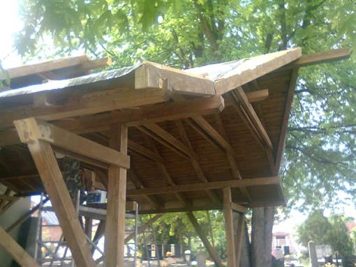 Construction of roof structure