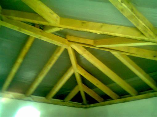 Roof structure from wood, vapour permeable membrane