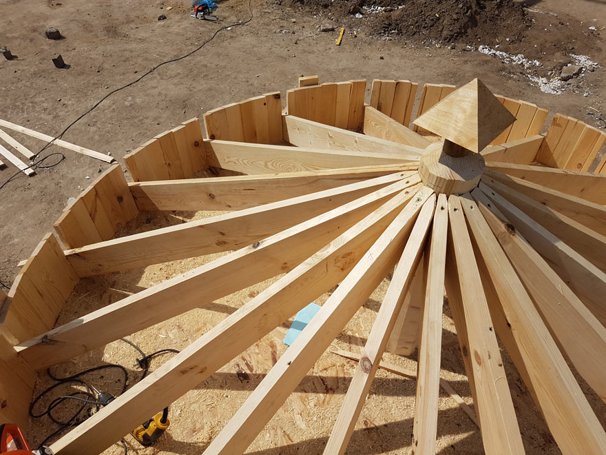 Cupola's structure out of wood